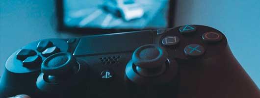 Играть в PS4